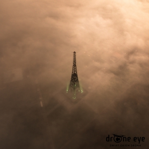 radiostacja gliwicka we mgle